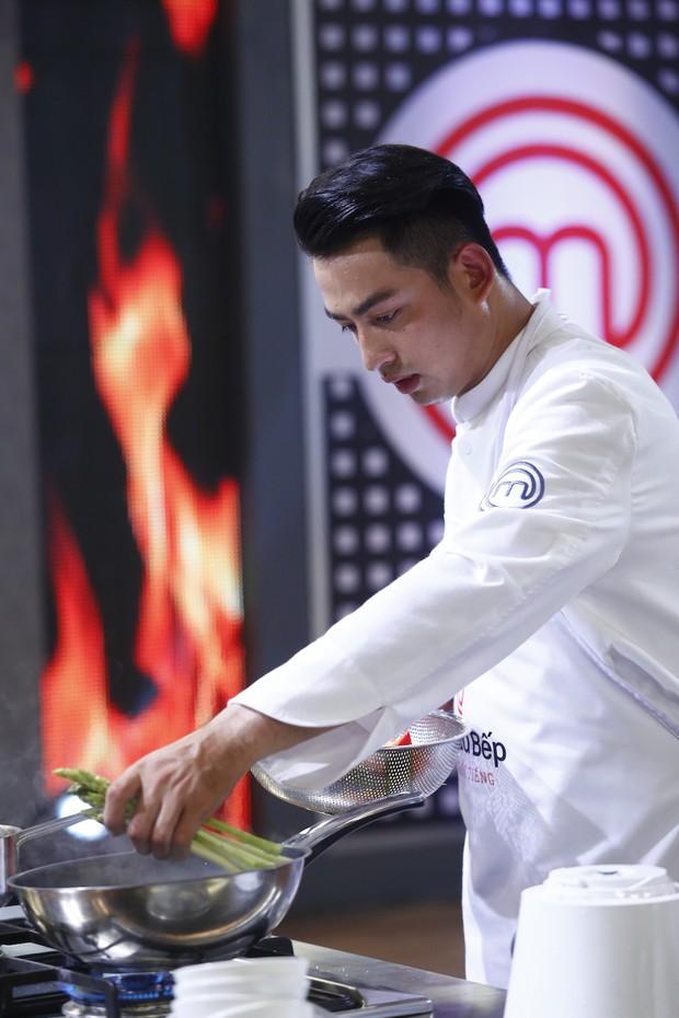 Kiwi Ngô Mai Trang lên ngôi Quán quân Vua đầu bếp: Người nổi tiếng - Ảnh 4.