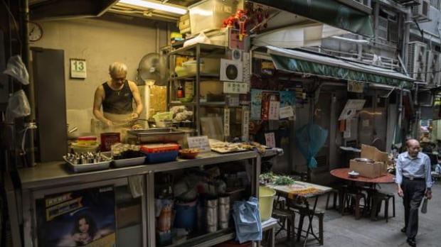 CNN vinh danh 23 khu ẩm thực đường phố đặc sắc nhất thế giới, Việt Nam tự hào có đại diện trong danh sách này - Ảnh 7.