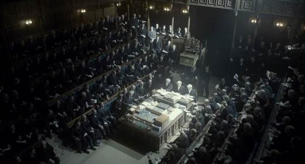 Tài tử Gary Oldman mất 200 giờ để hóa thân thành vị Thủ tướng Anh trong Giờ Đen Tối - Ảnh 5.