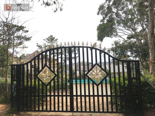 Giới trẻ xôn xao trước thông tin khu khán đài với dãy ghế trắng ở Nhà thiếu nhi Đà Lạt đã bị đóng cửa - Ảnh 5.