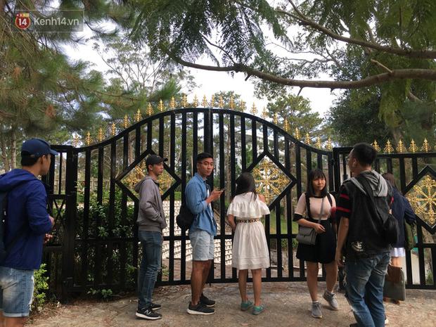 Giới trẻ xôn xao trước thông tin khu khán đài với dãy ghế trắng ở Nhà thiếu nhi Đà Lạt đã bị đóng cửa - Ảnh 6.