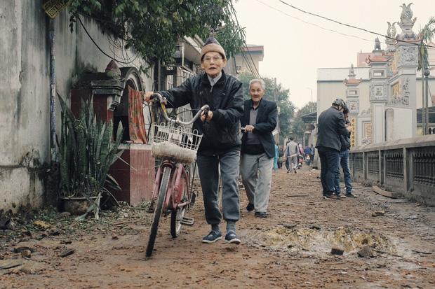 Chùm ảnh một ngày sau vụ nổ kinh hoàng ở Bắc Ninh: Làng Quan Độ tan tác, người dân sống trong sợ hãi - Ảnh 12.