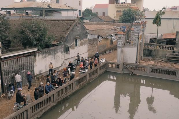 Chùm ảnh một ngày sau vụ nổ kinh hoàng ở Bắc Ninh: Làng Quan Độ tan tác, người dân sống trong sợ hãi - Ảnh 5.