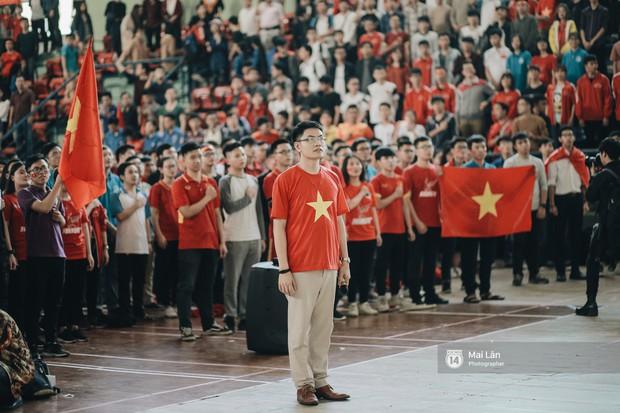 Sinh viên và loạt khoảnh khắc cảm xúc đến khó quên trong trận bán kết lịch sử Việt Nam - Qatar - Ảnh 4.