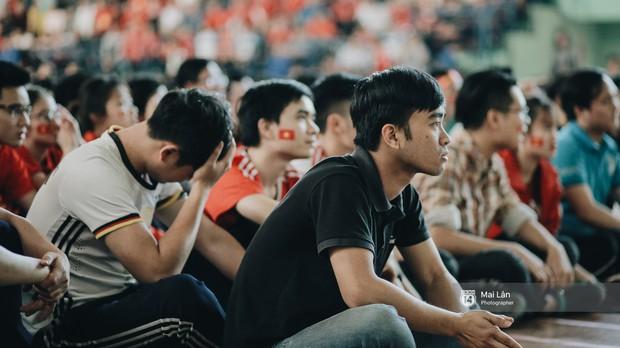 Sinh viên và loạt khoảnh khắc cảm xúc đến khó quên trong trận bán kết lịch sử Việt Nam - Qatar - Ảnh 8.