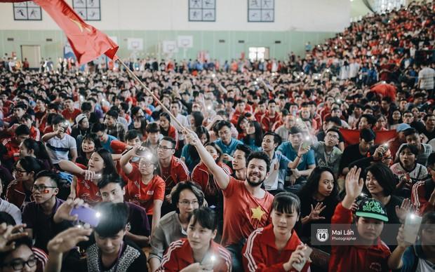 Sinh viên và loạt khoảnh khắc cảm xúc đến khó quên trong trận bán kết lịch sử Việt Nam - Qatar - Ảnh 10.