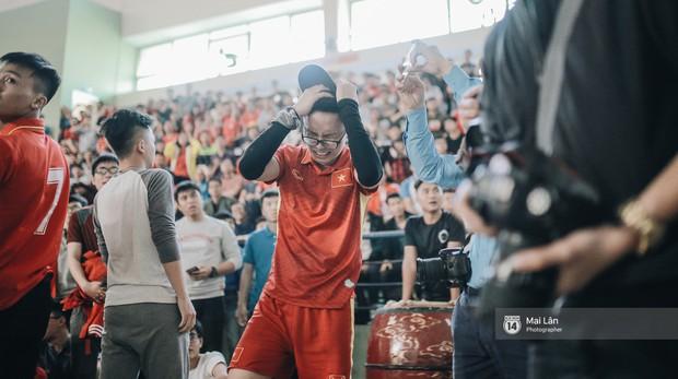 Sinh viên và loạt khoảnh khắc cảm xúc đến khó quên trong trận bán kết lịch sử Việt Nam - Qatar - Ảnh 12.