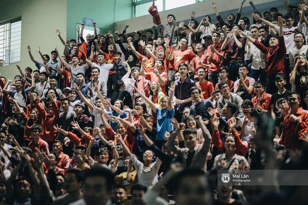 Sinh viên và loạt khoảnh khắc cảm xúc đến khó quên trong trận bán kết lịch sử Việt Nam - Qatar - Ảnh 16.