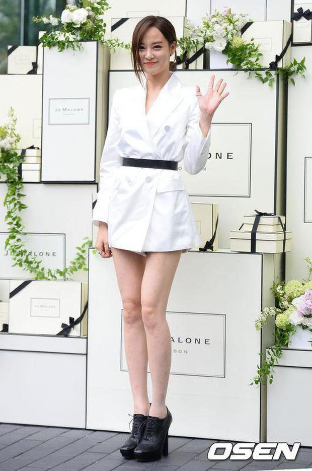 Là bạn gái G-Dragon nhưng Lee Joo Yeon chỉ trung thành với đồ basic thôi - Ảnh 17.