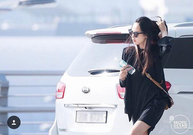 Là bạn gái G-Dragon nhưng Lee Joo Yeon chỉ trung thành với đồ basic thôi - Ảnh 13.