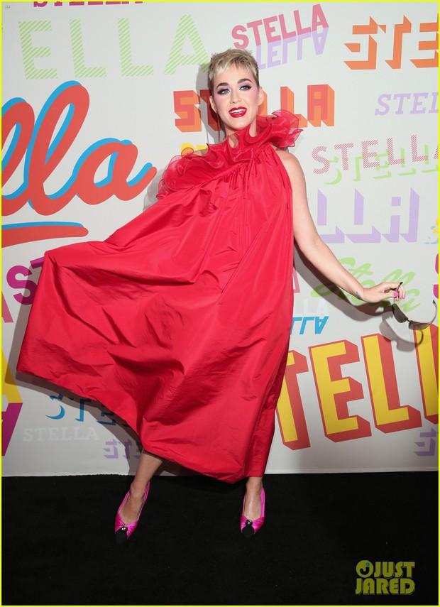 Bụng mang dạ chửa, Miranda Kerr vẫn là bông hoa xinh đẹp nhất giữa dàn sao nữ đình đám - Ảnh 7.