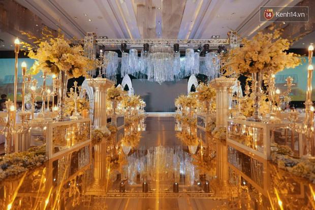 Ngọc Duyên cực xinh đẹp, hạnh phúc sánh đôi bên ông xã hơn 18 tuổi trong tiệc cưới xa hoa tại Hà Nội - Ảnh 15.