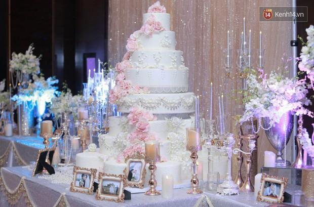 Ngọc Duyên cực xinh đẹp, hạnh phúc sánh đôi bên ông xã hơn 18 tuổi trong tiệc cưới xa hoa tại Hà Nội - Ảnh 19.