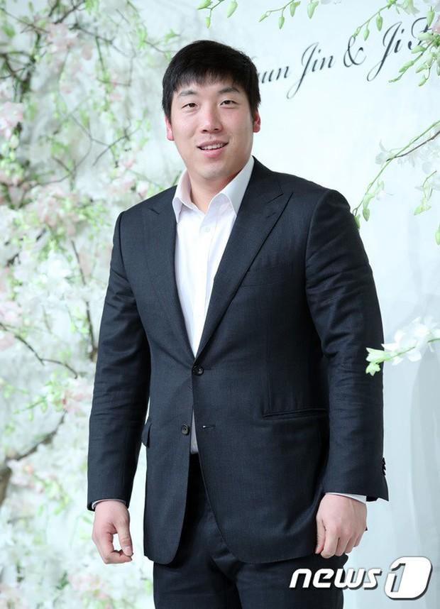 Đám cưới hội tụ toàn sao khủng: Lee Kwang Soo bỗng điển trai, Phạm Băng Băng Hàn Quốc bị mỹ nhân vô danh đè bẹp - Ảnh 31.