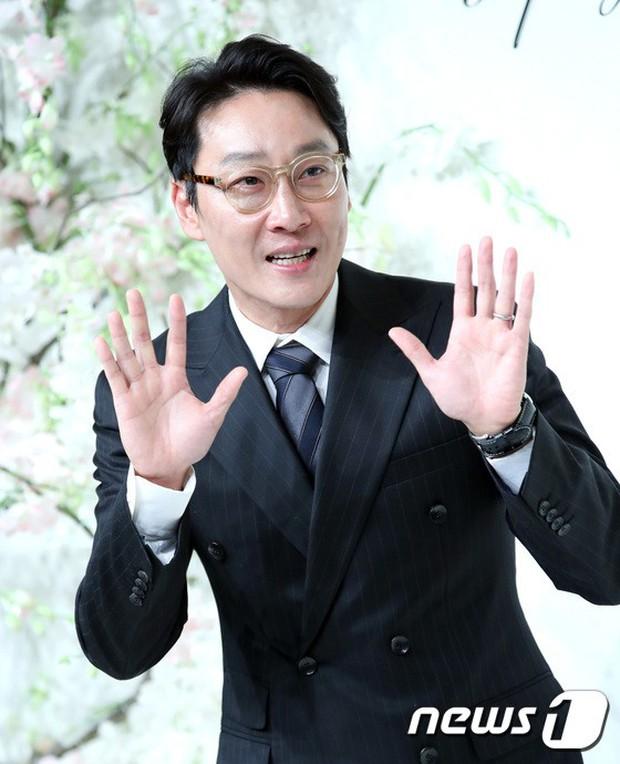 Đám cưới hội tụ toàn sao khủng: Lee Kwang Soo bỗng điển trai, Phạm Băng Băng Hàn Quốc bị mỹ nhân vô danh đè bẹp - Ảnh 24.