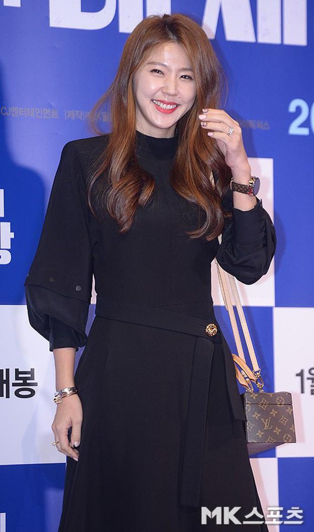 Tài tử Lee Byung Hun mời cả nửa làng giải trí đến sự kiện: SNSD thảm hại trước quân đoàn Hoa hậu, mỹ nhân - Ảnh 42.