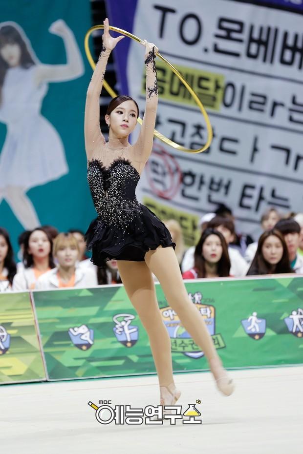 Loạt mỹ nhân Kpop sở hữu đôi chân ngàn vàng hoàn hảo đến mức chẳng thèm dùng chiêu trò để ăn gian - Ảnh 21.