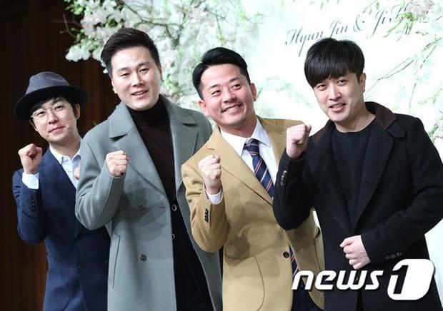 Đám cưới hội tụ toàn sao khủng: Lee Kwang Soo bỗng điển trai, Phạm Băng Băng Hàn Quốc bị mỹ nhân vô danh đè bẹp - Ảnh 32.