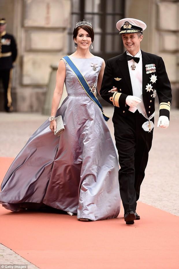 Áp lực làm dâu đầy khó khăn của nàng dâu thường dân một bước trở thành Thái tử phi Đan Mạch - Ảnh 2.
