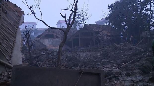 Nổ kinh hoàng ở Bắc Ninh lúc rạng sáng khiến 2 cháu bé tử vong, nhiều ngôi nhà bị san phẳng - Ảnh 3.