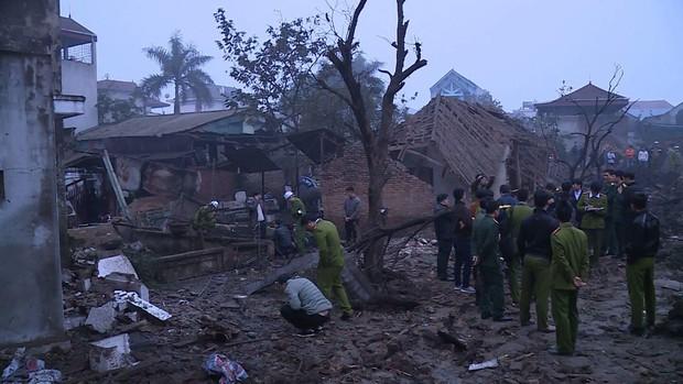 Nổ kinh hoàng ở Bắc Ninh lúc rạng sáng khiến 2 cháu bé tử vong, nhiều ngôi nhà bị san phẳng - Ảnh 12.