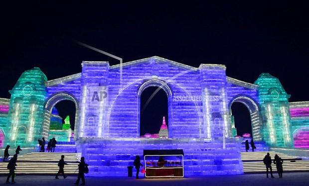 Mãn nhãn trước thế giới thu nhỏ tại Lễ hội Băng đăng quốc tế Harbin - Ảnh 2.