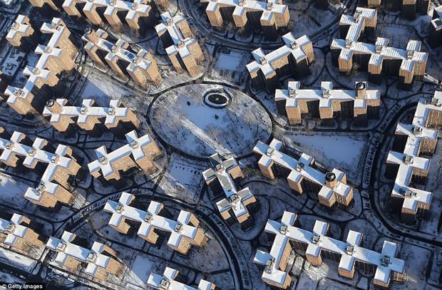 Sau trận bão tuyết kinh hoàng, thành phố New York hoang tàn, ảm đạm như trong phim Ngày Tận Thế - Ảnh 11.