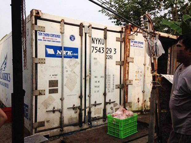 TP.HCM: Phát hiện gần 30 tấn lòng, thịt heo bẩn chuẩn bị đưa đi tiêu thụ - Ảnh 1.