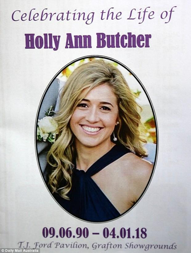 Cô gái trẻ qua đời vì ung thư, 800 người đến dự đều mặc áo màu sặc sỡ vì lý do sẽ khiến bạn thực sự xúc động - Ảnh 1.