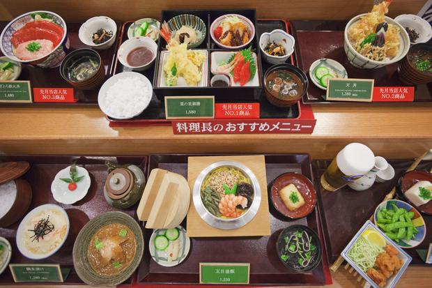 Nghệ thuật làm thức ăn giả tại Nhật Bản: Nhìn thật hơn cả đồ ăn thật, lợi nhuận siêu khủng với giá cao ngất ngưởng - Ảnh 1.