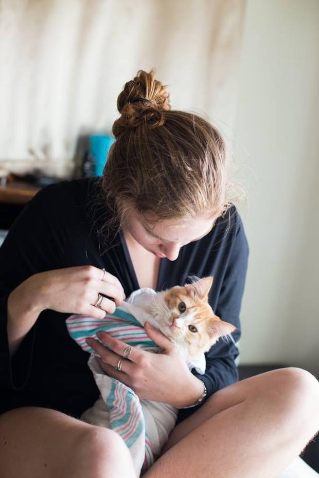 Cặp vợ chồng trẻ gây bão mạng xã hội vì bộ ảnh hạ sinh ra mèo - Ảnh 7.