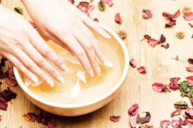 Phương thuốc níu giữ tuổi xuân của Từ Hy Thái hậu: Làm đẹp da bằng bột ngọc trai, duy trì sức khoẻ bằng sữa người - Ảnh 2.