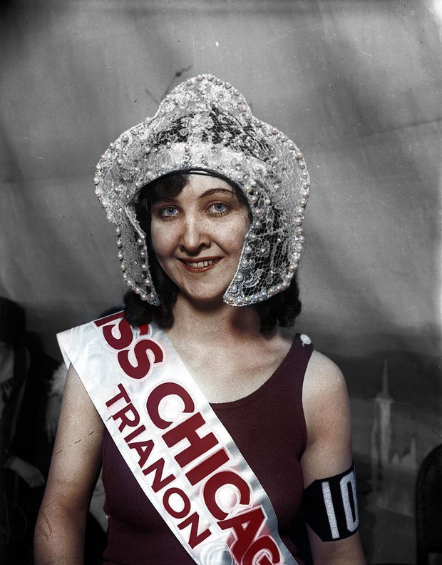 Vẻ đẹp của những hoa hậu Mỹ từ cách đây cả gần 100 năm hồi sinh nhờ công nghệ chỉnh màu ảnh đen trắng - Ảnh 1.