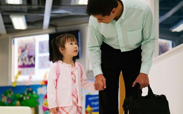 Tâm thư ông bố bác sĩ gửi con gái còn nhỏ đã phải đi trực cùng bố, mẹ đi tu nghiệp 1 năm mới gặp một lần gây xúc động - Ảnh 2.