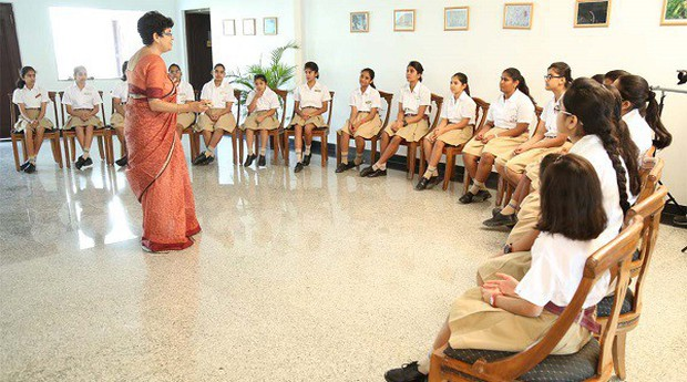 Đối phó với vấn nạn hiếp dâm, Ấn Độ lên kế hoạch lắp camera giám sát trong các lớp học - Ảnh 1.