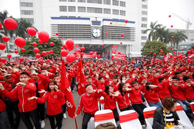 Hoa hậu Đỗ Mỹ Linh cùng hàng ngàn sinh viên tham dự khai mạc ngày hội hiến máu Chủ Nhật Đỏ 2018 - Ảnh 4.