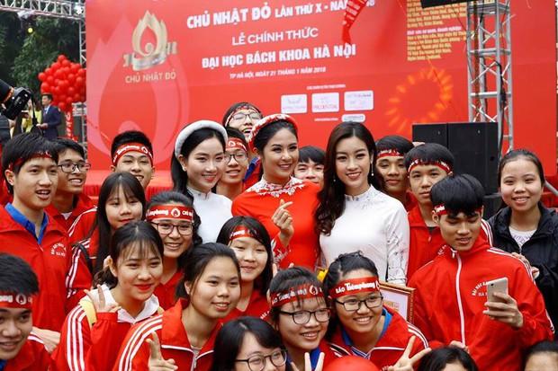 Hoa hậu Đỗ Mỹ Linh cùng hàng ngàn sinh viên tham dự khai mạc ngày hội hiến máu Chủ Nhật Đỏ 2018 - Ảnh 6.