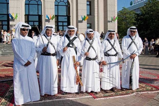 Các tuyển thủ U23 Qatar lớn lên trong những chuẩn mực văn hoá và quy tắc xã giao đầy tính khuôn phép ra sao? - Ảnh 1.