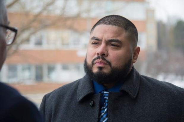 Dùng iPhone bắt quả tang vợ ngoại tình, người chồng này lại lãnh hậu quả 15 năm tù vì tội theo dõi trái phép - Ảnh 1.