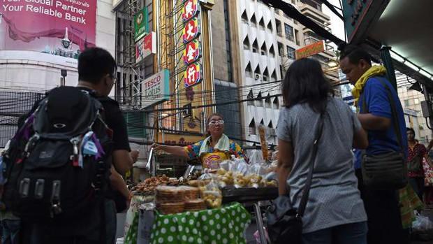 CNN vinh danh 23 khu ẩm thực đường phố đặc sắc nhất thế giới, Việt Nam tự hào có đại diện trong danh sách này - Ảnh 1.