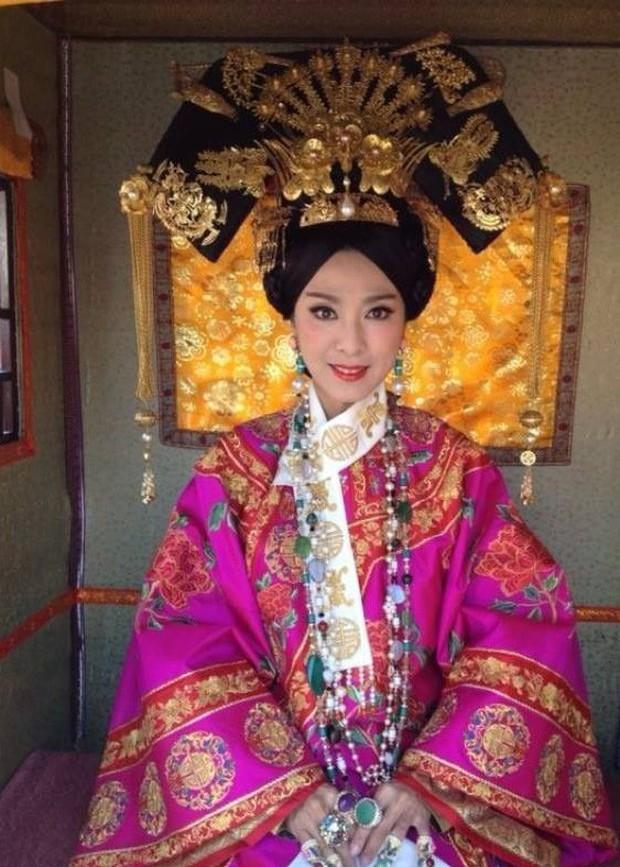 Phương thuốc níu giữ tuổi xuân của Từ Hy Thái hậu: Làm đẹp da bằng bột ngọc trai, duy trì sức khoẻ bằng sữa người - Ảnh 1.