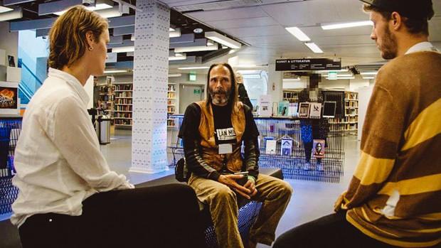 Câu chuyện về thư viện khiến nhiều người thực sự ngỡ ngàng: Ở đây bạn không mượn sách, bạn mượn người! - Ảnh 10.