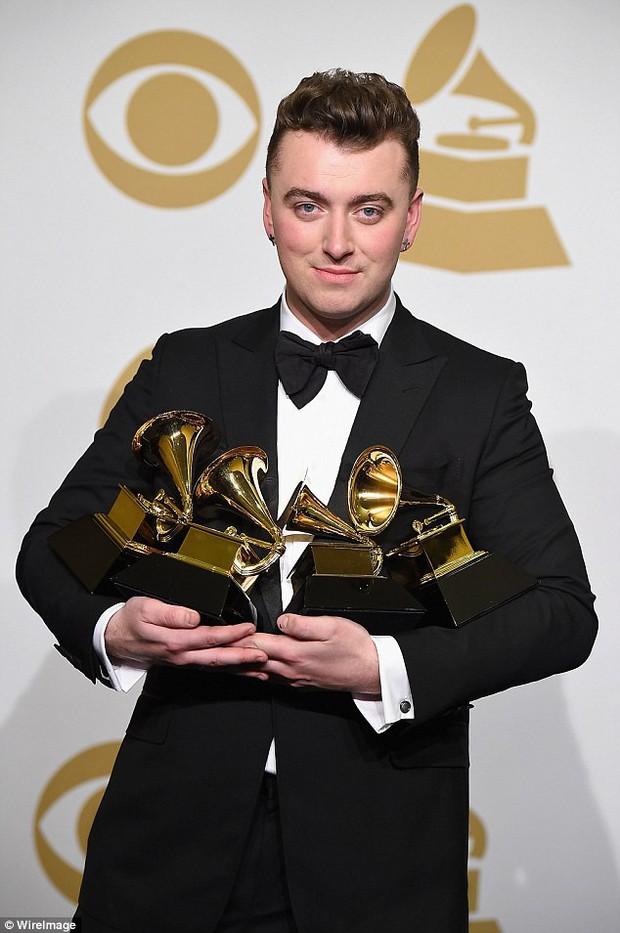 Cùng nhìn lại những Bài hát của năm được Grammy gọi tên suốt 10 năm qua - Ảnh 16.