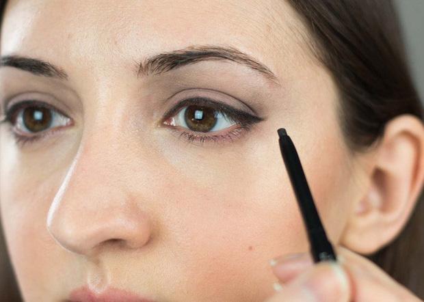 7 cây bút kẻ mắt giá chưa đến 200 nghìn mà vẫn giúp bạn có được đường eyeliner sắc sảo - Ảnh 15.
