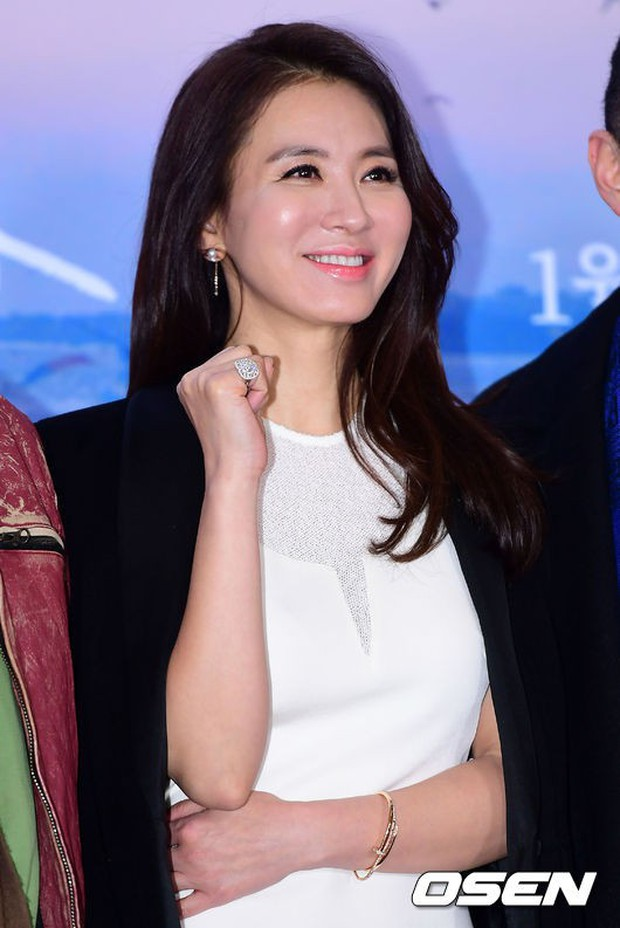 Park Bo Gum và Jung Hae In đụng độ: Fan nữ vừa mất máu, vừa không biết chọn ai đẹp hơn - Ảnh 15.