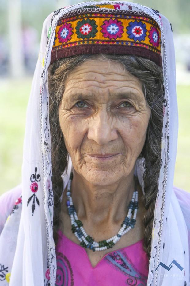 Vùng đất lạ kỳ nơi phụ nữ 60 tuổi vẫn có thể sinh con, 900 năm qua không ai mắc bệnh ung thư - Ảnh 18.