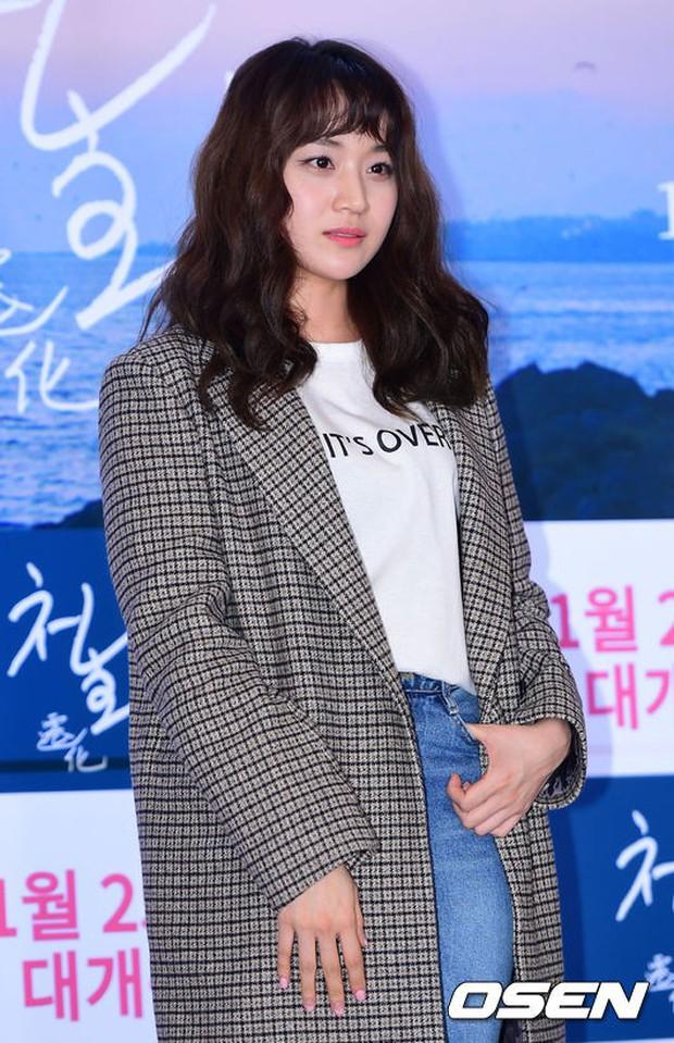 Park Bo Gum và Jung Hae In đụng độ: Fan nữ vừa mất máu, vừa không biết chọn ai đẹp hơn - Ảnh 18.
