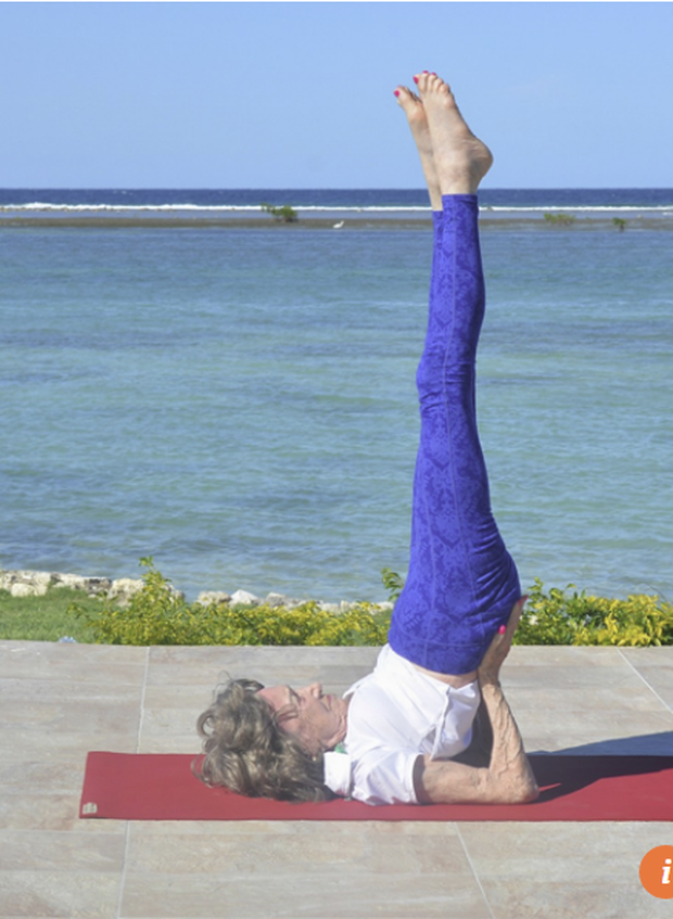 75 năm tập luyện, 57 năm giảng dạy yoga, cuộc đời của người phụ nữ 99 tuổi này như một cuốn phim tuyệt vời về cuộc sống tươi đẹp - Ảnh 3.