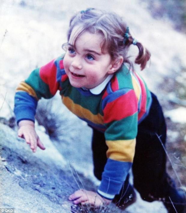 Tiểu Công chúa Charlotte vui tươi trong ngày đầu tiên đến trường mẫu giáo - Ảnh 3.