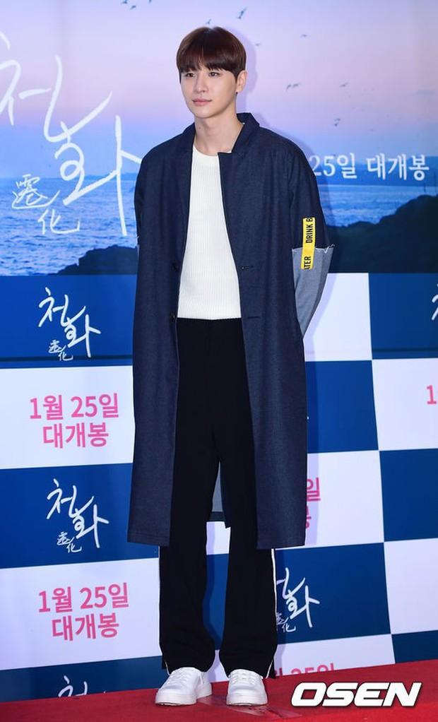 Park Bo Gum và Jung Hae In đụng độ: Fan nữ vừa mất máu, vừa không biết chọn ai đẹp hơn - Ảnh 22.